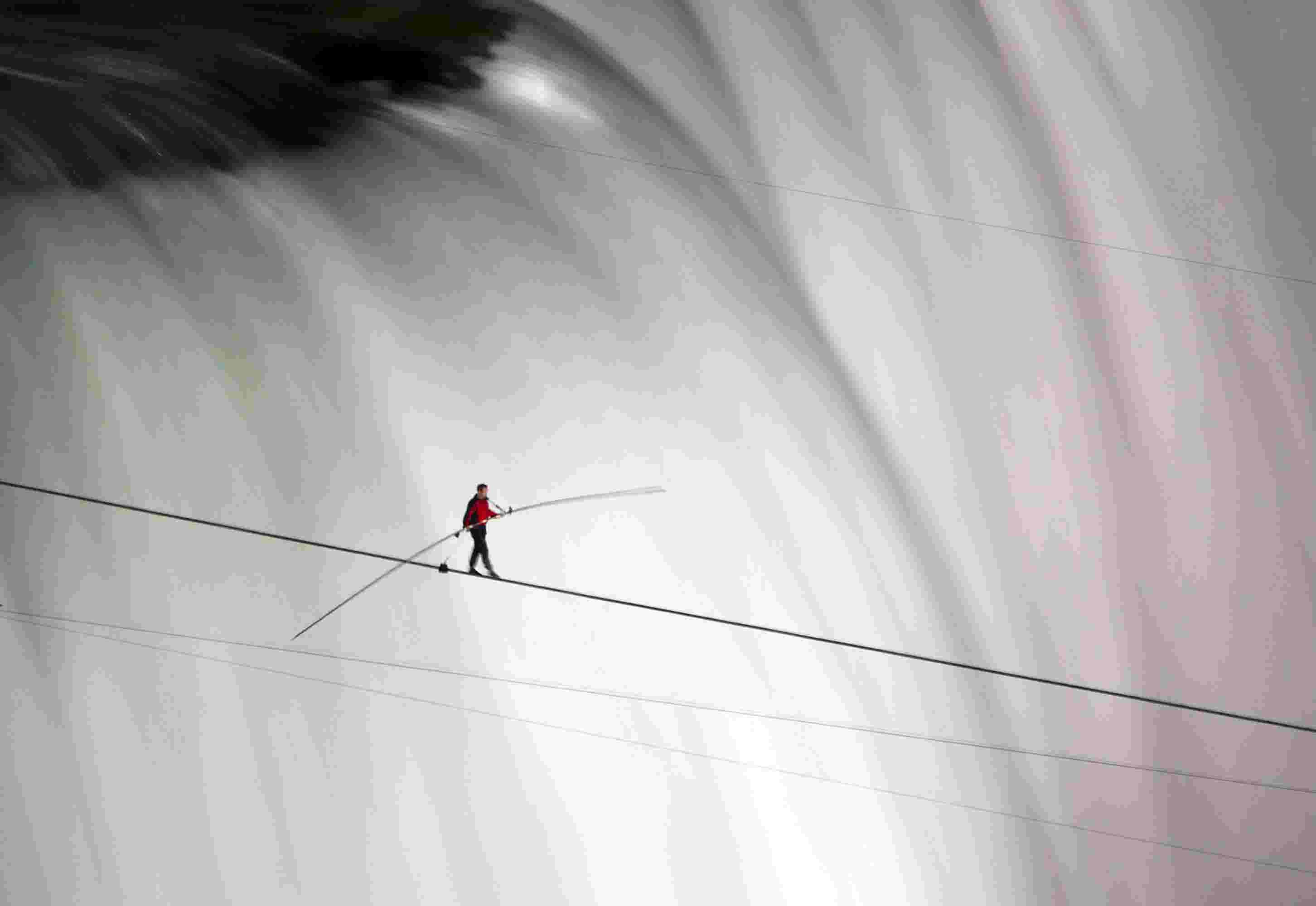 Wallendas among 5 tightrope walkers injured in fall