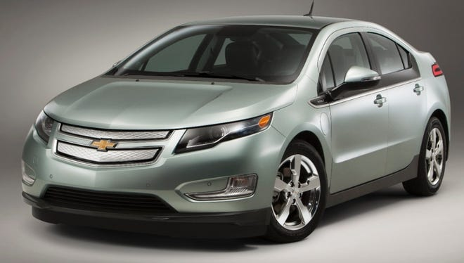 Auto dealers want to halt 'stair step' incentives like those that helped Chevy sell record numbers of Volts in August.