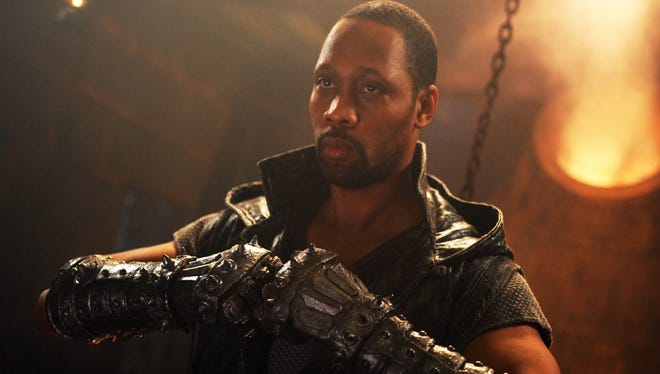 RZA stars in his directorial debut, 'The Man with the Iron Fists,' which comes across more music video than motion picture.