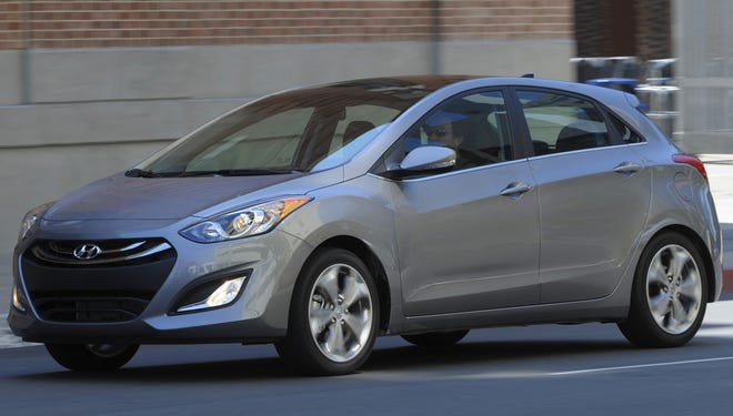 Popular new Hyundai Elantra GT is among models that overstated mpg ratings and must get new labels.