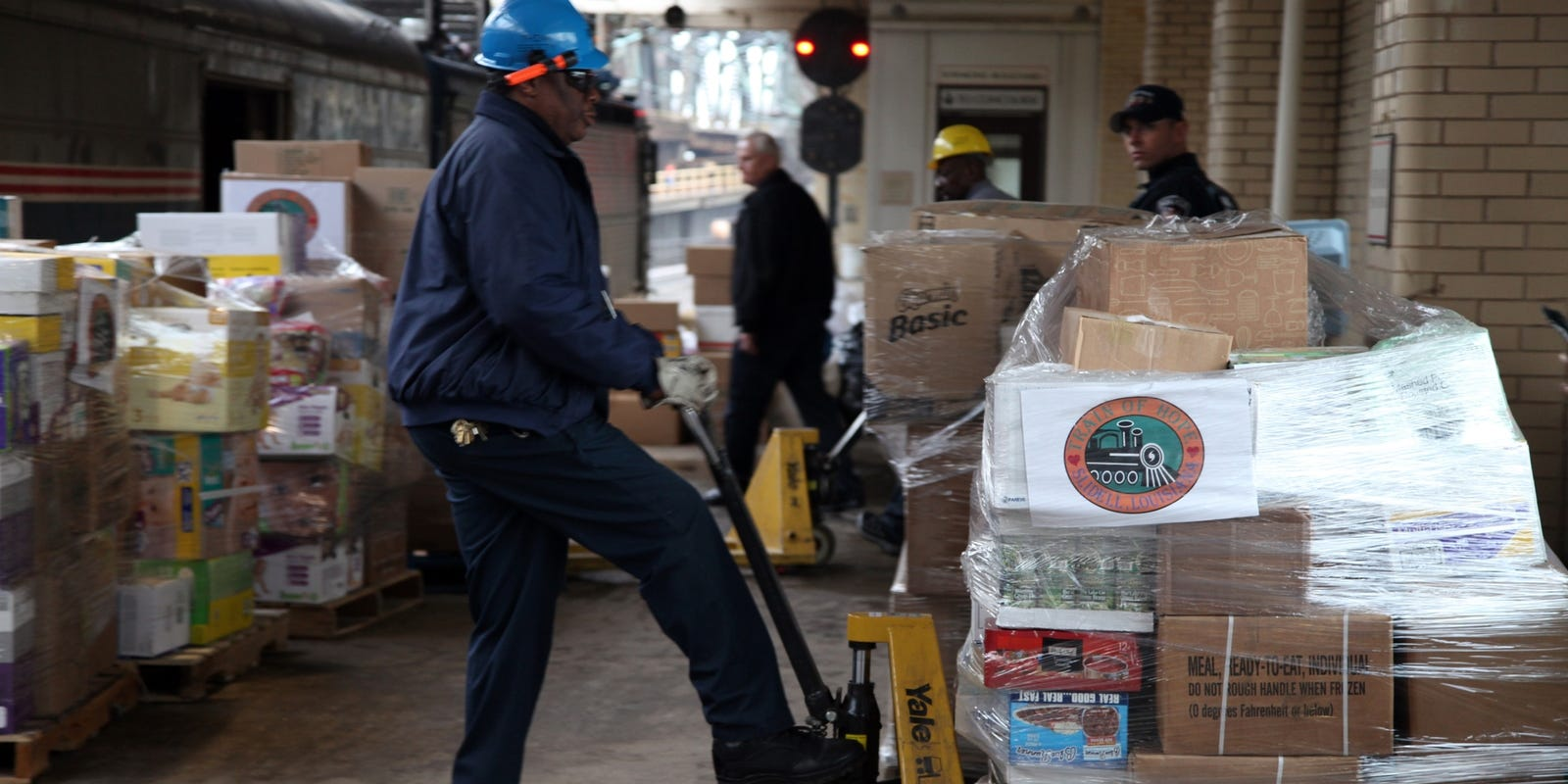 Thrivers' of past disasters help Sandy survivors
