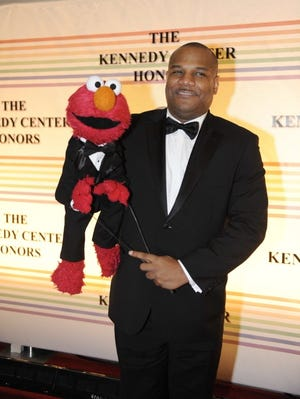 'Sesame Street' puppeteer Kevin Clash has resigned from the show.