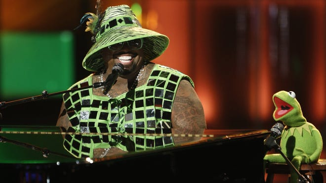 CeeLo Green and Kermit the Frog sing 'Bein' Green' on 'The Voice.'