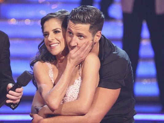 kelly and val dwts dating