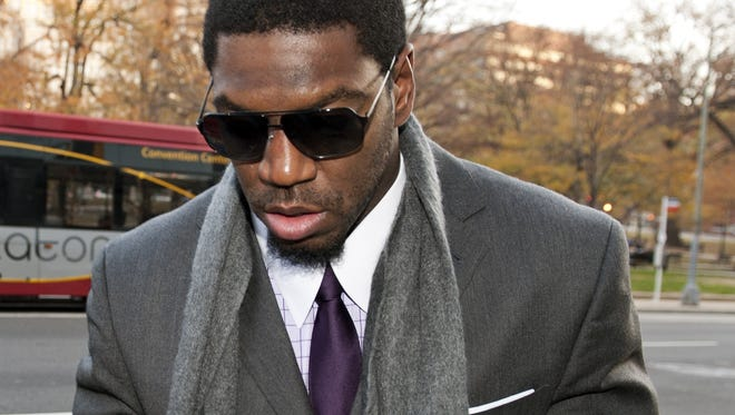 New Orleans Saints linebacker Jonathan Vilma arrives at an attorney's office in Washington as part of the latest round of player appeals in the bounty case.