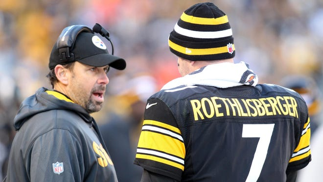 Pittsburgh Steelers offensive coordinator Todd haley (left) talks with quarterback Ben Roethlisberger (7) on the sidelines during a loss to the Cincinnati Bengals  at Heinz Field in Pittsburgh on Dec. 23, 2012.
