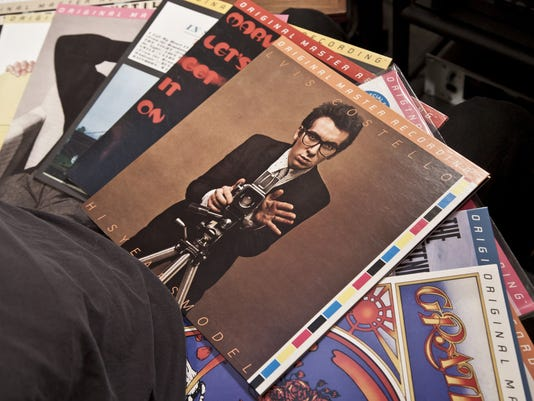 Vinyls Sonic Perfection Finds New Fans In Digital Age
