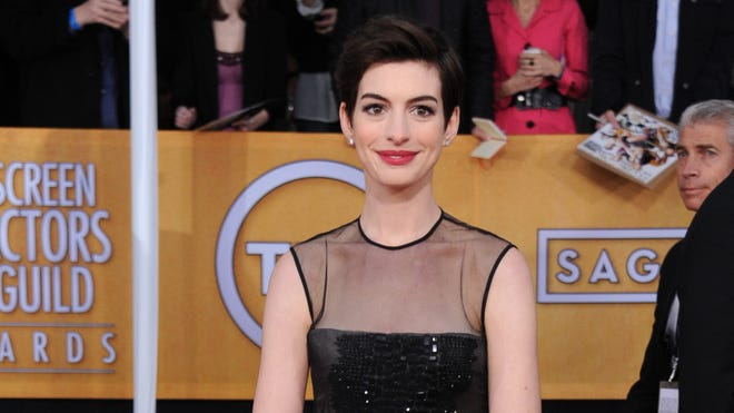Anne Hathaway looked pulled together at the SAG Awards on Jan. 27.