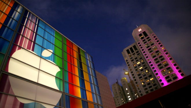 Investor David Einhorn is pushing Apple to share more of its wealth with investors.