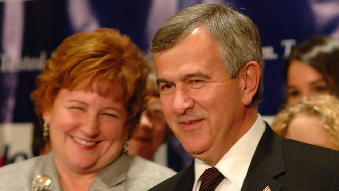 Mike Johanns and his wife, Stephanie, greet supporters in Lincoln, Neb., on Nov. 4, 2008, after his election to the U.S. Senate.