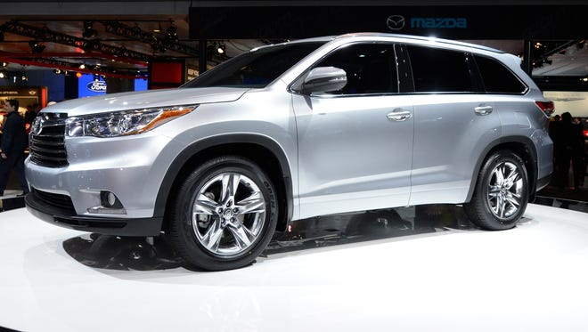 The redesigned 2104 Toyota Highlander unveiled at the New York Auto Show.