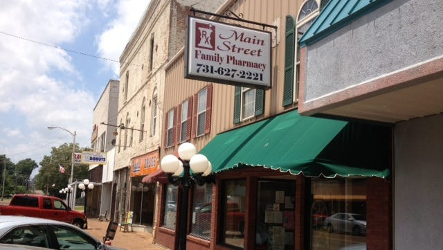 Inspectors from the U.S. Food and Drug Administration have issued an eight-page inspection report citing a Newbern, Tenn. compounding pharmacy for multiple violations of federal regulations after they found spiders in the clean room of the Main Street Family Pharmacy.