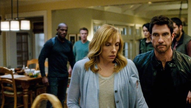 Dr. Ellen Sanders (Toni Collette) and her family are taken hostage by Duncan Carlisle (Dylan McDermott), a rogue FBI agent in CBS' 'Hostages.'