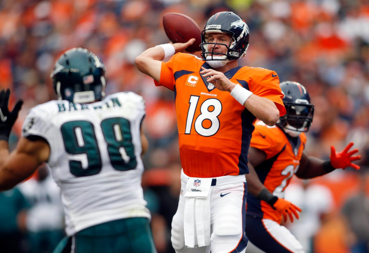 size 40 9f573 92469 Broncos rip Eagles as Peyton Manning adds to record book