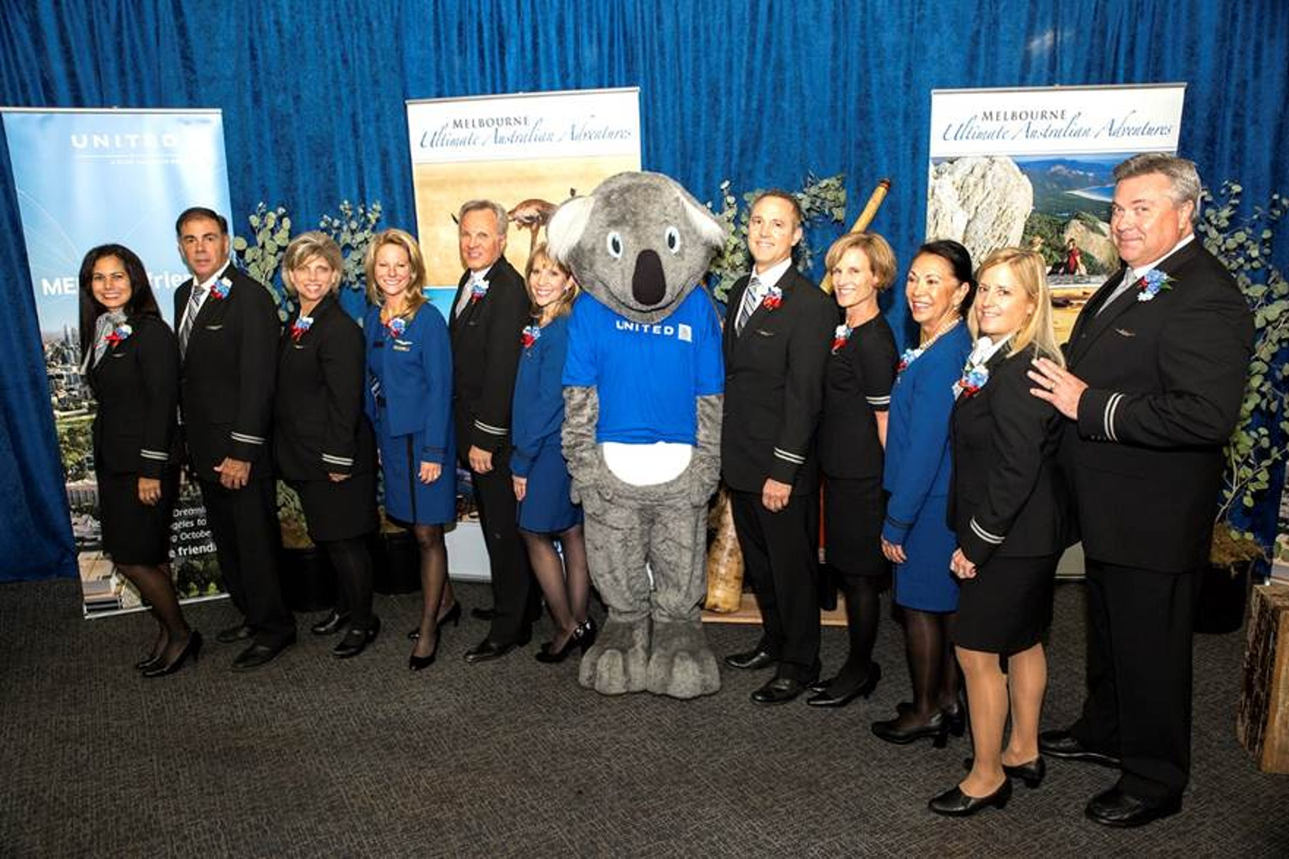 United launches first international route on 'stretch' Dreamliner