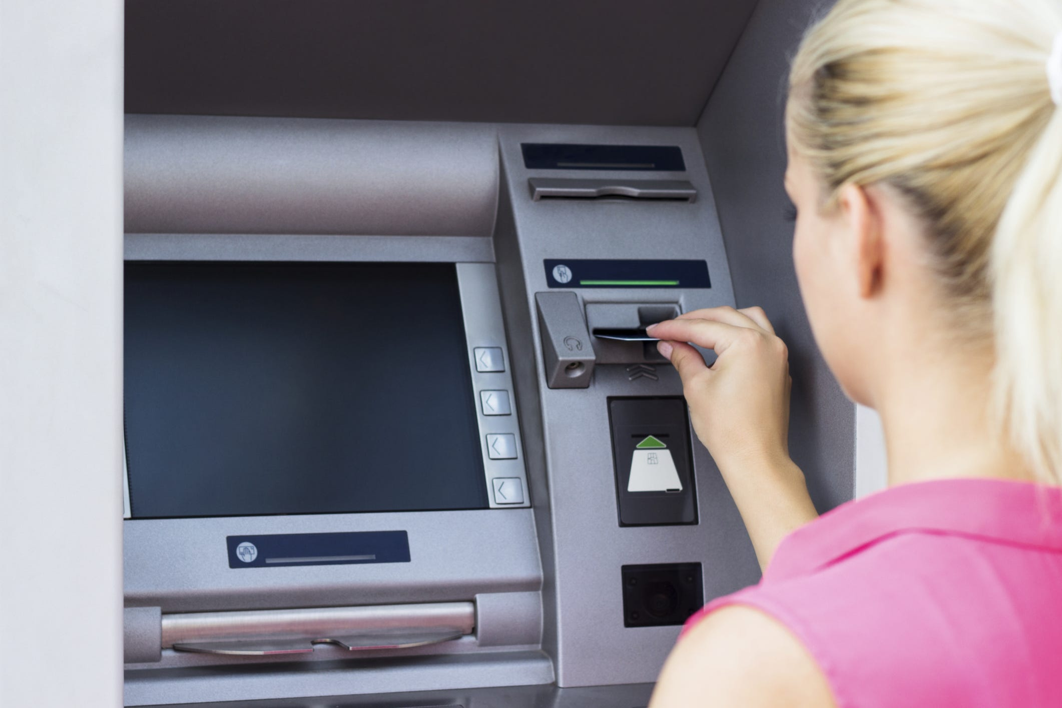 ATM fees reach a record average of $4.72 per withdrawal, with more coming