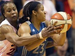 Maya Moore had a team-high 15 points for the WNBA-leading Lynx.