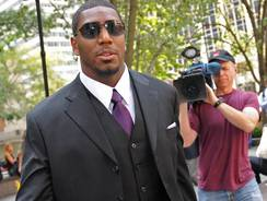 """New Orleans Saints linebacker Jonathan Vilma says he has """"eight or nine"""" affidavits that would contradict allegations made in one affidavit by former coach Gregg Williams."""