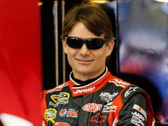 Jeff Gordon circled New Hampshire's 1.058-mile oval at a field-best 134.911 mph.