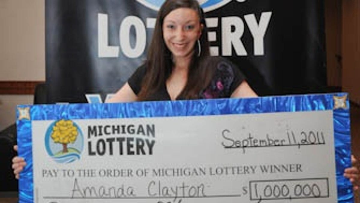 Amanda Clayton Photos lottery winner who kept taking food stamps found dead