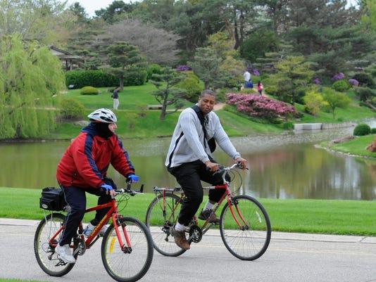 Chicago Botanic Garden East Road