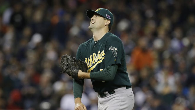 Pat Neshek took the mound in the seventh inning days after his newborn passed away.