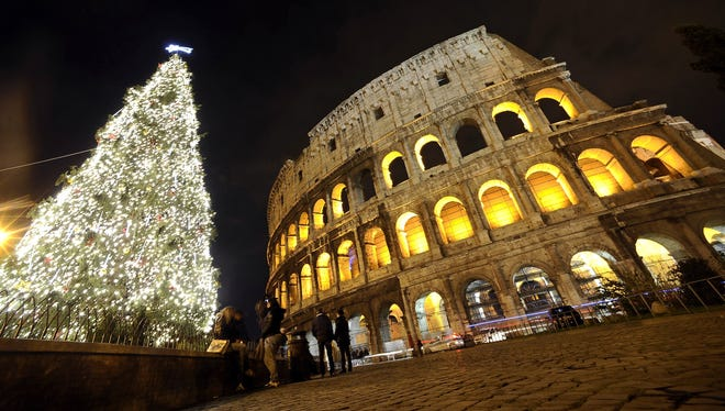 If you've always wanted to treat your mom and dad to Christmas in Rome, then swapping homes can make this dream trip an affordable holiday gift.