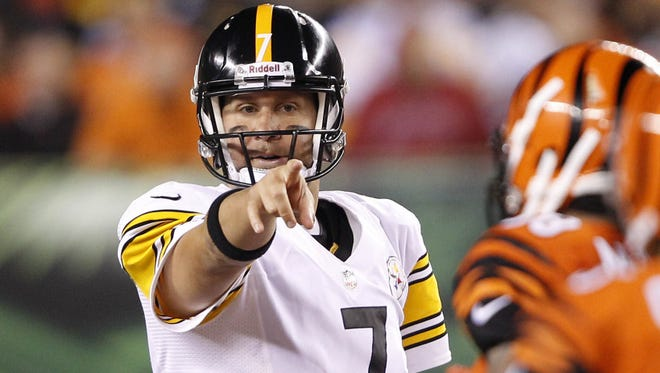 Pittsburgh Steelers quarterback Ben Roethlisberger says he wasn't criticizing the new offense when he called it dink-and-dunk.