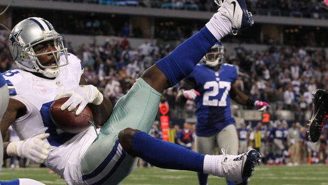 Dez Bryant's last-minute catch was ruled out of bounds, and the Dallas Cowboys lost 29-24 to the New York Giants on Sunday.