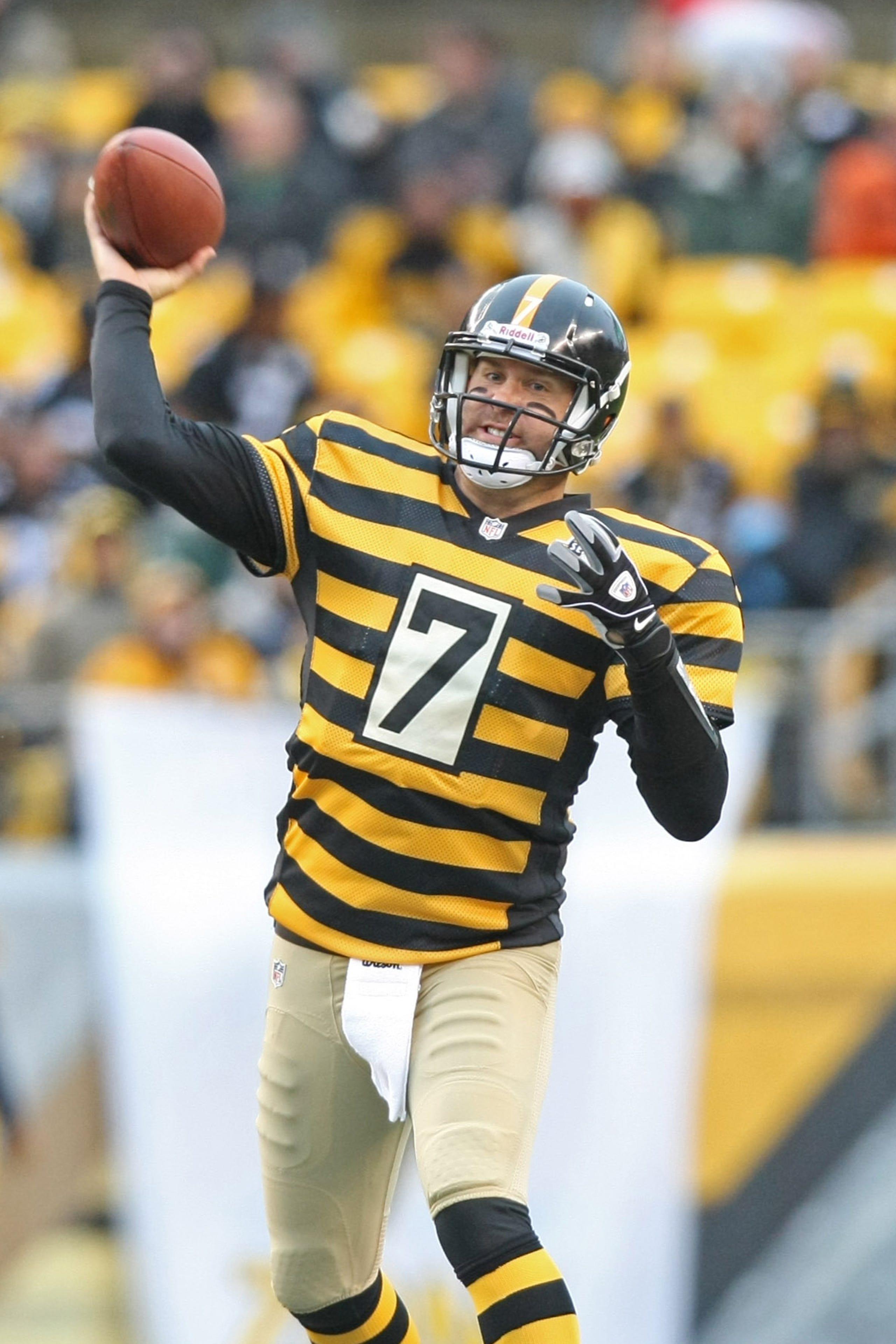 best service d850b 71c2c Steelers' Throwback Uniforms