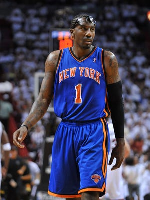 Knicks forward Amar'e Stoudemire will have knee surgery and miss 6-8 weeks.