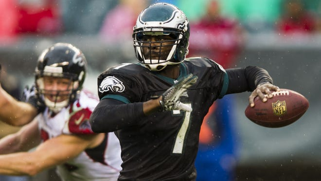 Michael Vick didn't give up the ball to the Falcons in Week 8, but he couldn't beat them, either.