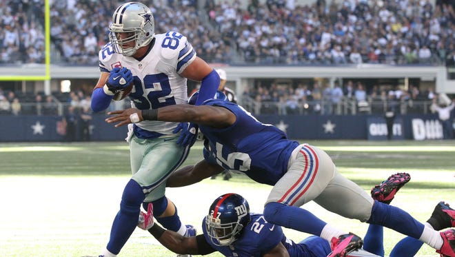 Jason Witten's 18 receptions Sunday in a 29-24 loss to the Giants set an NFL record for tight ends.
