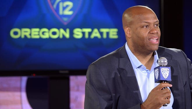 Oregon State head coach Craig Robinson discusses his Beavers and the upcoming presidential election Thursday at Pac-12 media day.