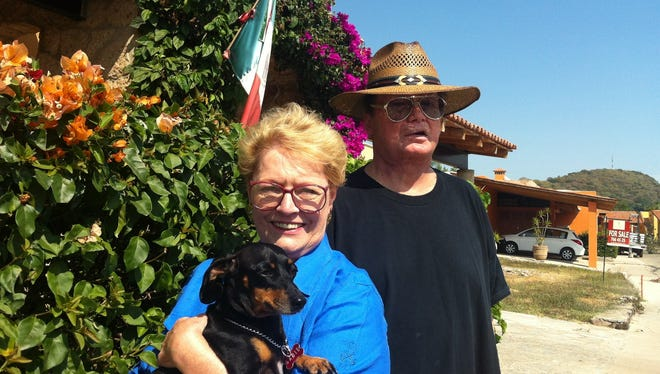 Dallas area natives Ed and Karen Cage, lead a Tea Party chapter in Ajijic, Mexico, where they now reside.