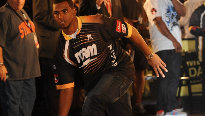 Chris Paul of the Los Angeles Clippers bowls during his Celebrity Invitational Tournament in Los Angeles in 2010. Paul will be one of the team owners in the new PBA league that begins play in January.