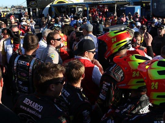 11-11-12-NASCAR-Phoenix-Bowyer-Gordon-fight