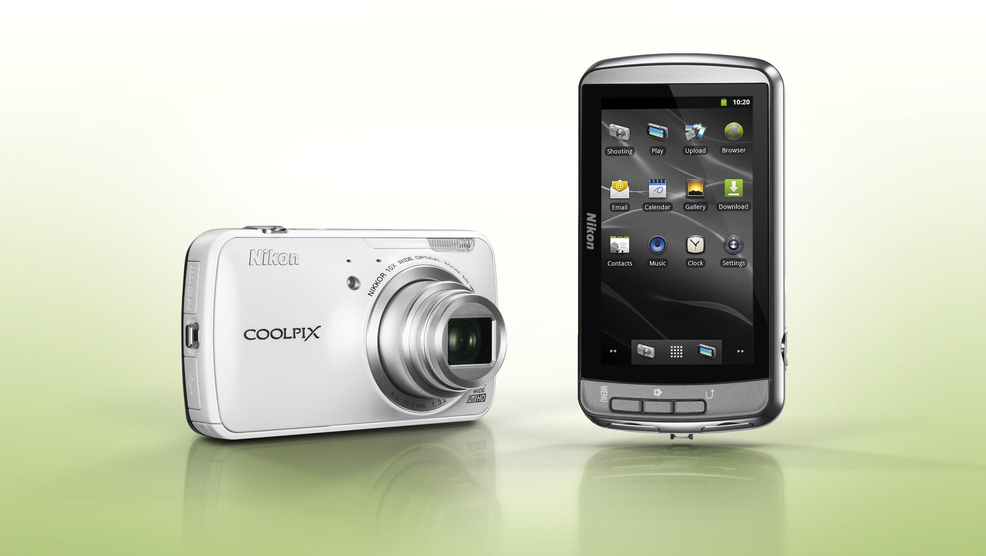 Gift Guide: Digital cameras change to beat smartphones