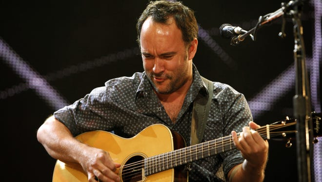 Dave Matthews will perform at a fundraising benefit for victims of Hurricane Sandy.