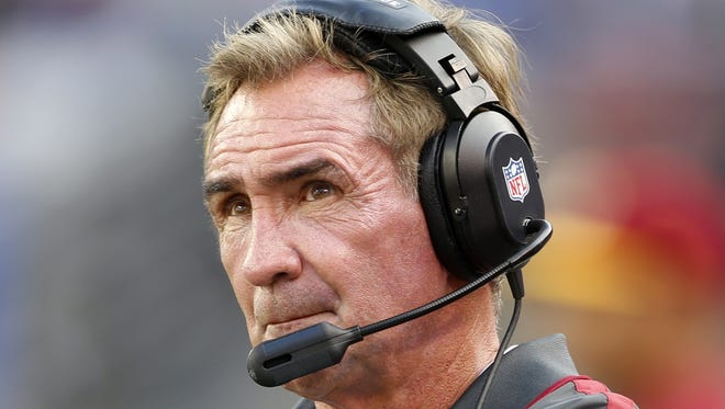 Washington Redskins head coach Mike Shanahan looks on during the second half of an NFL football game against the New York Giants Sunday, Oct. 21, 2012 in East Rutherford, N.J.