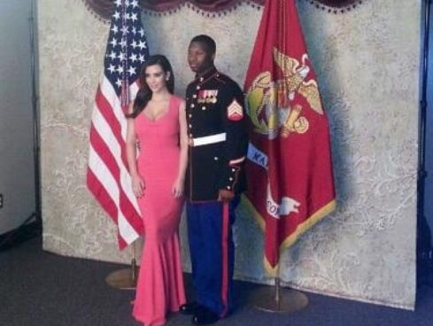Kardashian Video on Kim Kardashian S Tweet Photo At Marine Corps Ball With Sgt  Martin
