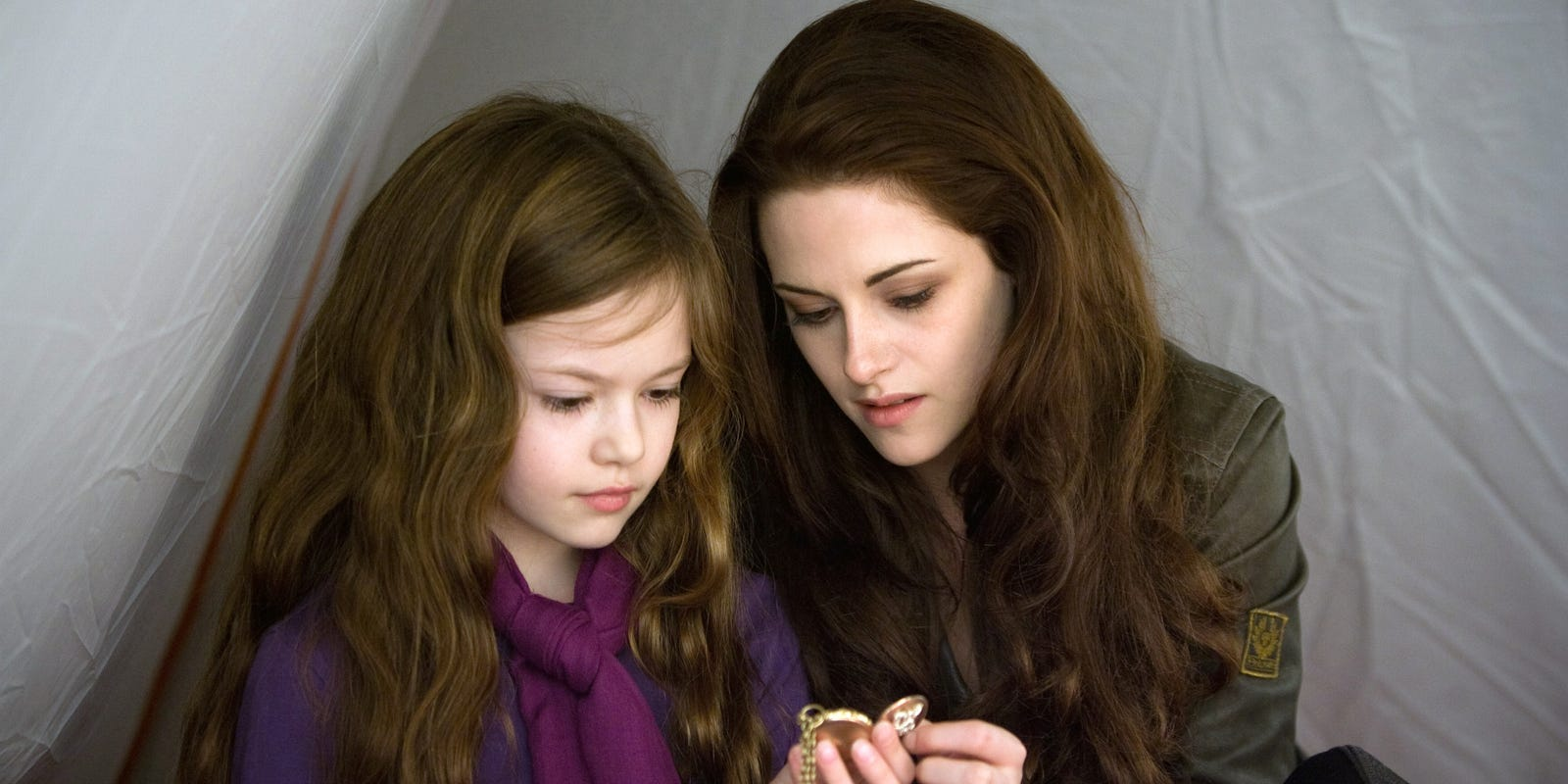 Mackenzie Foy stands out in 'Breaking Dawn    Part 20'