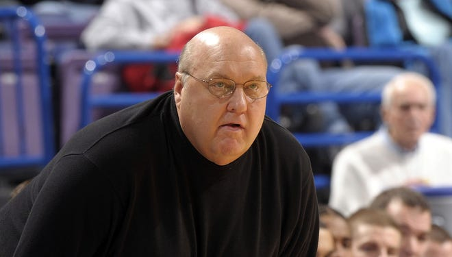 Rick Majerus, shown early in his tenure at St. Louis University, will not return to coach the Billikens because of a heart ailment.