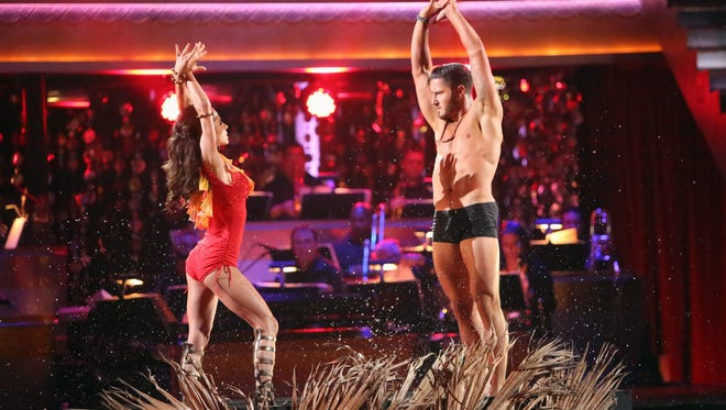 Kelly Monaco and Val Chmerkovskiy on Monday's 'DWTS' episode.