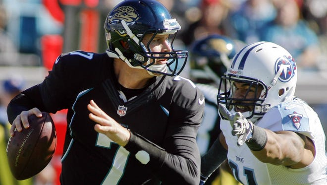 Chad Henne looked right at home as the Jaguars' quarterback as the team finally won at home Sunday.