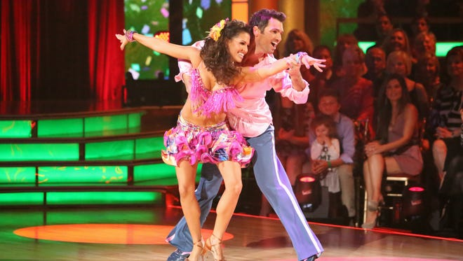 Melissa Rycroft and Tony Dovolani repeated their Week 3 dance on Monday.