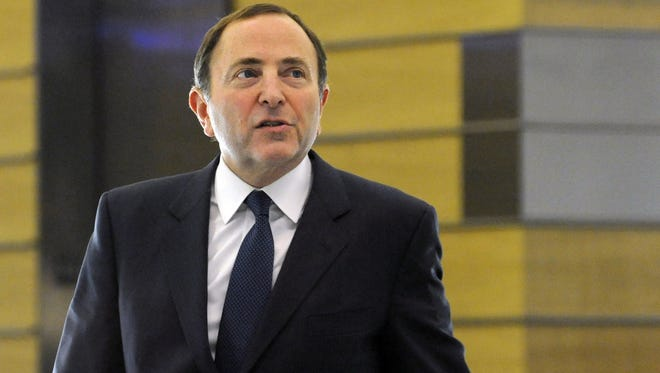 NHL Commissioner Gary Bettman has agreed to federal mediation in the 74-day-old lockout.