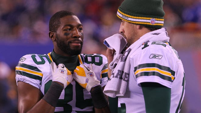 Green Bay's Aaron Rodgers is this week's No. 2 fantasy quarterback, perhaps due in part to the return of wide receiver Greg Jennings, left, to the Packers lineup.