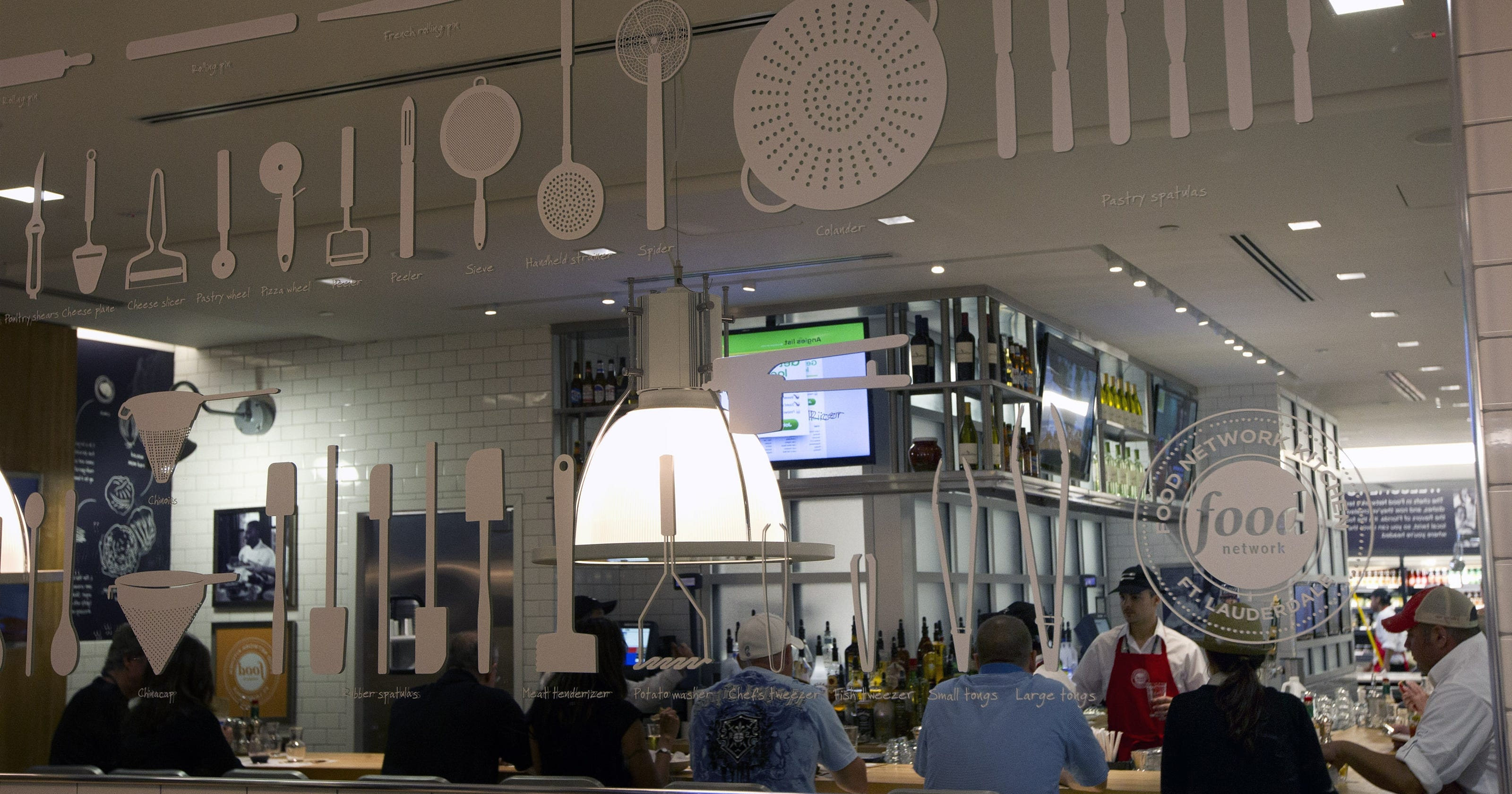 Food Network opens restaurant at Fla  airport
