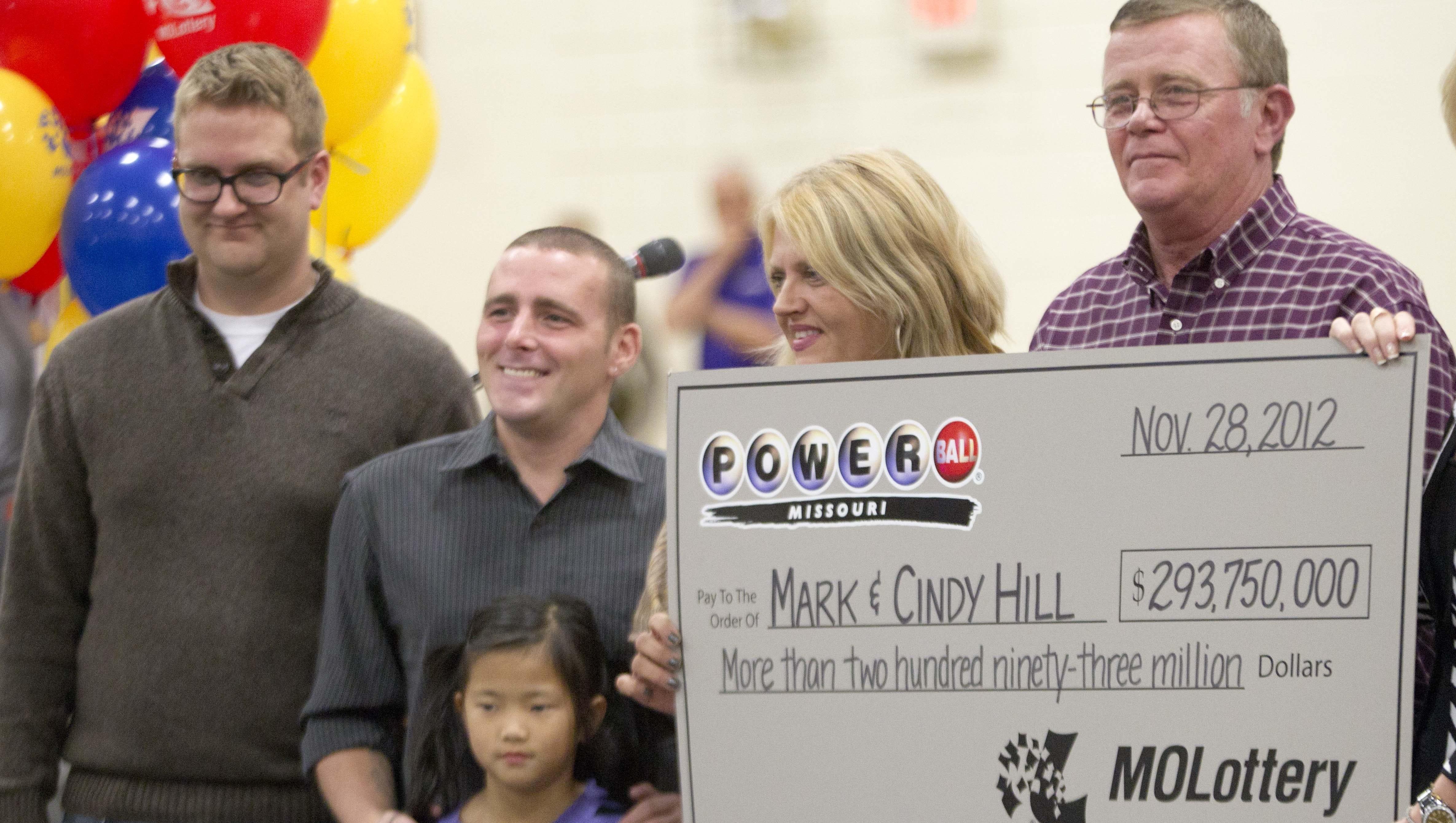 Missouri family celebrates 'surreal' Powerball jackpot